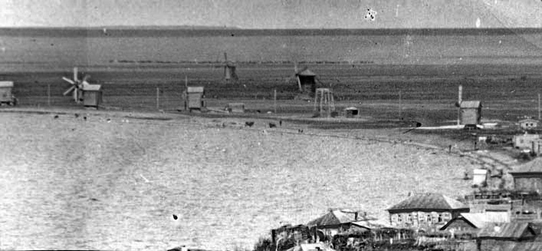 Ветряные мельницы на берегу озера 1900