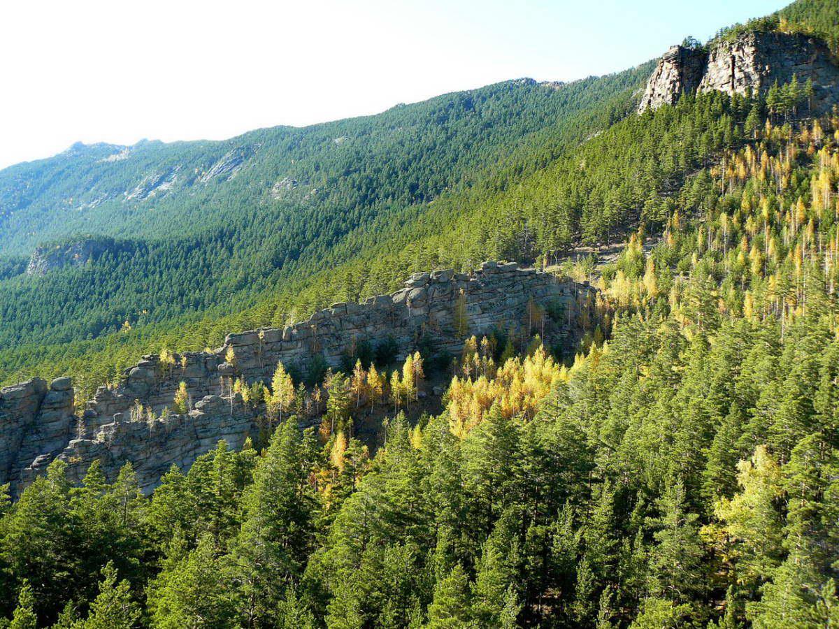 Боровое. Гора Кокшетау (Синюха). Утесы. Фото Кокшетау Онлайн